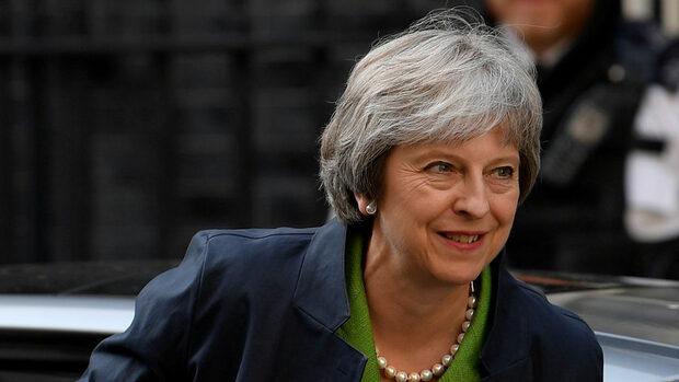 """""""Мек"""" Брекзит може да лиши Мей от мнозинство в парламента, предупреди депутат"""