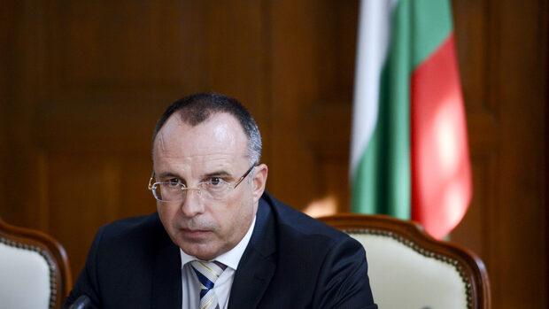 Съдбата на председателя на агенцията по храните ще се реши след разговор Борисов - Порожанов