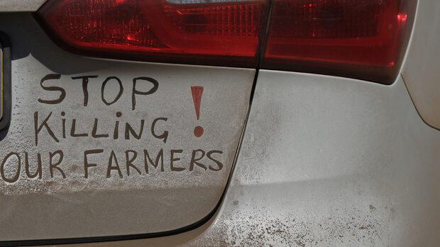 Отчуждаване на земи, убийства на фермери - как Тръмп вбеси Южна Африка