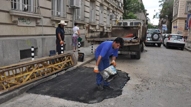 """Живеещите на ул. """"Иван Вазов"""" за ремонта: хубав проект, но не е за тази улица"""