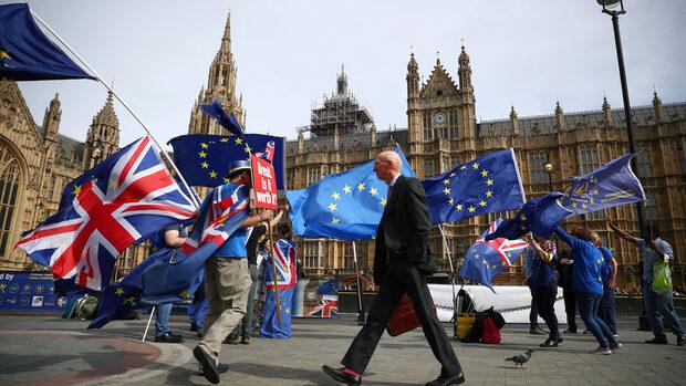 ЕС обмисля извънредна среща за Брекзит през ноември