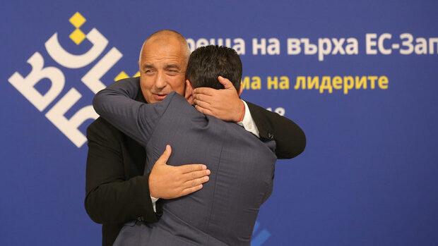 Само 10 дни преди референдума в Македония България се въздържа да подкрепи Заев