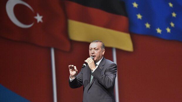 Дълго отлагана визита на Ердоган е изпитание за Германия тази седмица