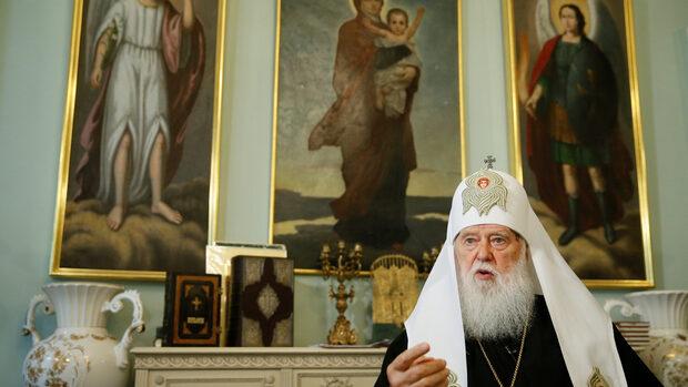Някога отлъчен, патриархът на Украйна е готов да оглави църква, отделена от Русия
