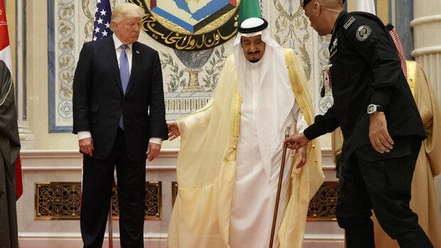 Саудитският крал не би се задържал и 2 седмици на власт без САЩ, каза Тръмп
