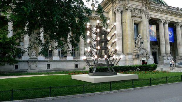 Творба на Стефан Николаев ще бъде поставена пред Гран Пале в Париж