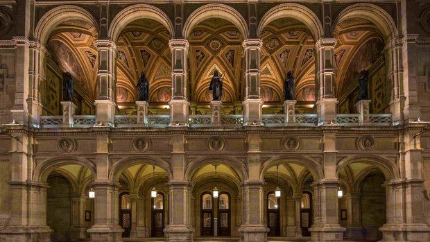 Как да гледаме опера и изложби от Виена, докато си стоим вкъщи