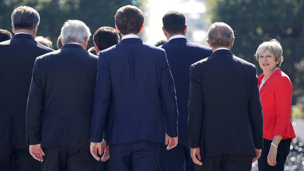 Лидерите на ЕС решават днес бъдещето на преговорите за Брекзит, шансът за пробив е слаб