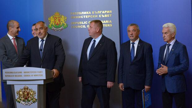 Извънреден коалиционен съвет при Борисов решава за оставката на Симеонов