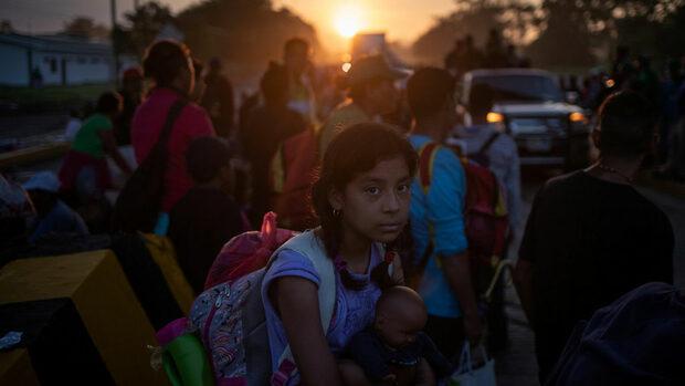 Тръмп поиска армията да изпрати до 1000 войници на границата с Мексико