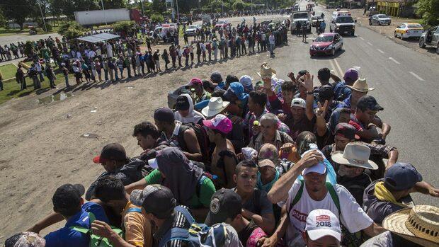 Тръмп ще изпрати на границата с Мексико много повече войници от очакваното