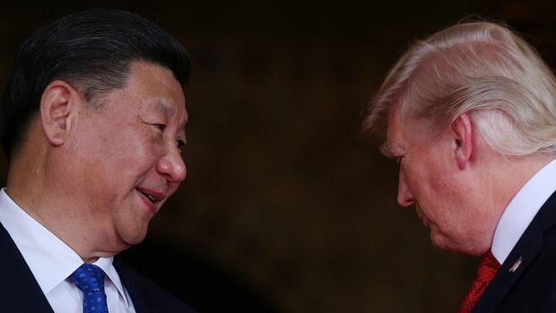 """Тръмп се готви за търговска сделка с Китай, пише """"Блумбърг"""""""