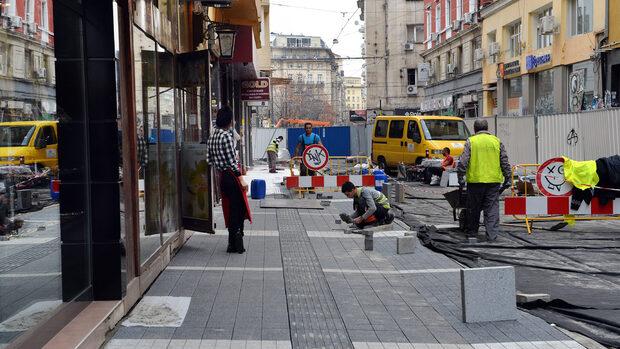 """На """"Граф Игнатиев"""": Когато ремонт дойде, как бизнесът заглъхва"""