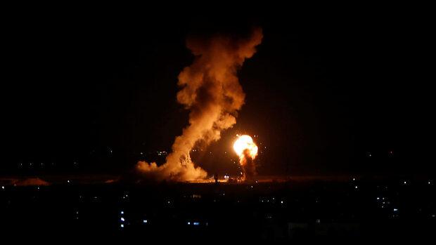 Израел нанесе нови въздушни удари след ракетни атаки от Газа