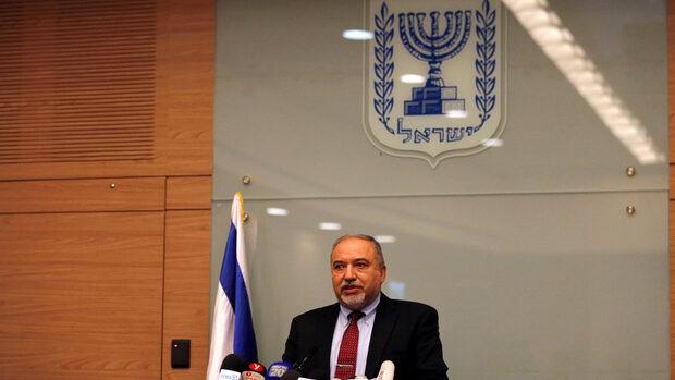Израелският министър на отбраната подаде оставка заради примирието в Газа