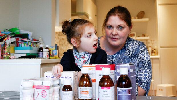 На живот и смърт: британци се запасяват с лекарства заради страх от Брекзит без сделка