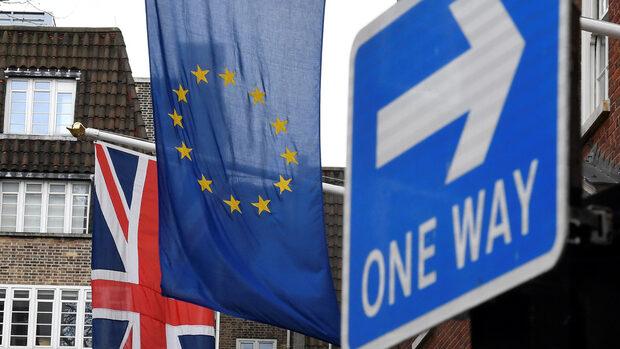 Една трета от британските компании са готови да напуснат страната заради Брекзит