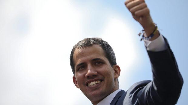 Гуайдо не изключва варианта за военна интервенция от САЩ, ако се наложи