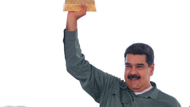 """С """"алхимичен трик"""" Венецуела превръща безполезните банкноти в злато"""