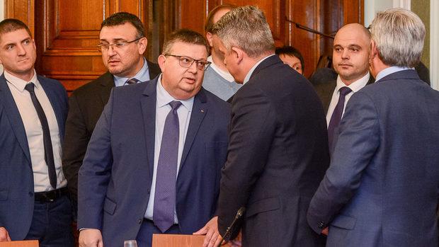 """Цацаров: Великобритания ще установи дали Гебрев е отровен с """"Новичок"""""""
