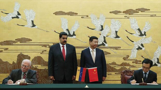 Защо Китай дърпа конците в Латинска Америка