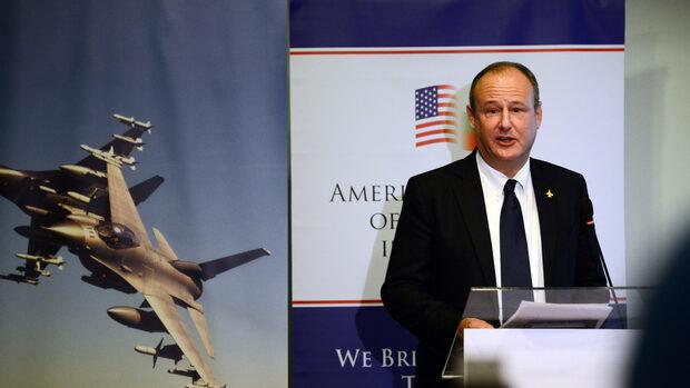 Високата цена за F-16 е заради процедура в полза на България, обяснява посолството на САЩ