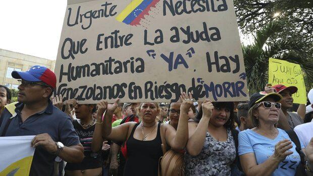 Холандия създава на карибски остров център за хуманитарна помощ за Венецуела