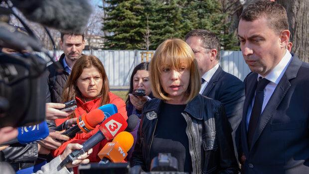 Фандъкова смята, че фирма, ремонтираща центъра, се опитва да избегне бъдещи санкции