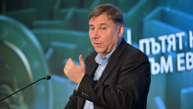 Иван Кръстев: Влизането на Иво Христов в листата на БСП спира разговора за проект на Радев