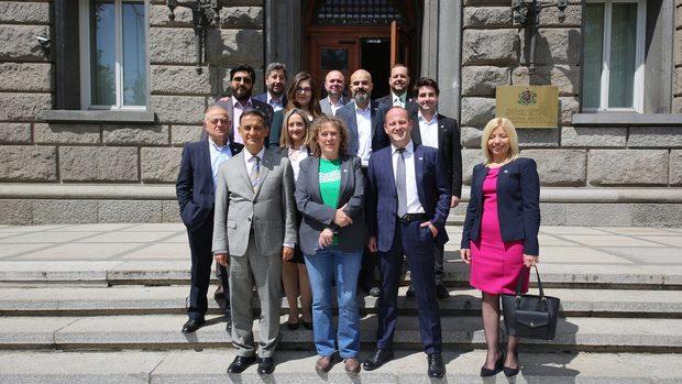 """""""Демократична България"""" обяви листата си за европейските избори"""