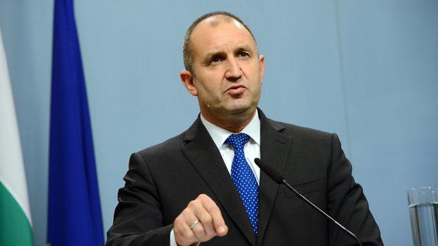 Румен Радев предложи да се разследват и подставени лица на политиците в чужбина