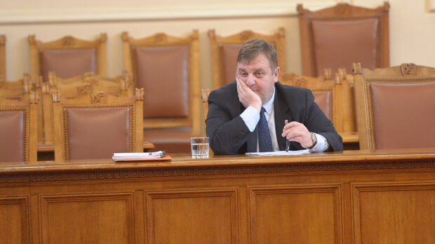 Каракачанов допуска провал в преговорите за F-16 Block 70