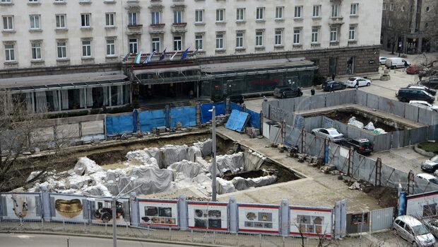"Проектантът на ремонта на ул. ""Граф Игнатиев"" иска да прави и площад ""Света Неделя"""