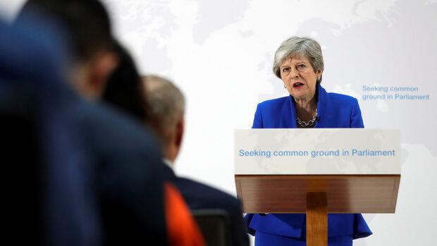 Мей ще предложи нов референдум за Брекзит, но само за сделката