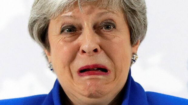 Унижение за Мей в парламента, остават ѝ броени дни