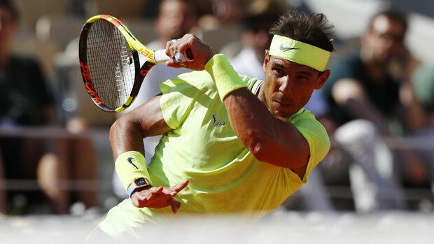 Федерер и Надал продължиха вихрено към четвъртфиналите в Париж