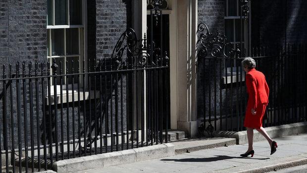 Кой ще реши съдбата на Брекзит: започва битката за поста на Тереза Мей