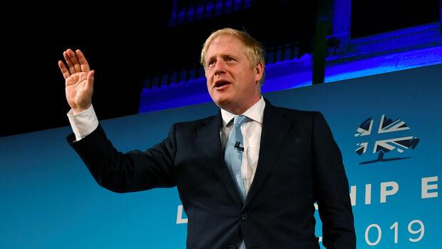 Борис Джонсън води убедително в надпреварата за лидерския пост във Великобритания