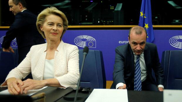 """Вебер атакува """"оста Макрон-Орбан"""" за сделката за висшите постове в ЕС"""