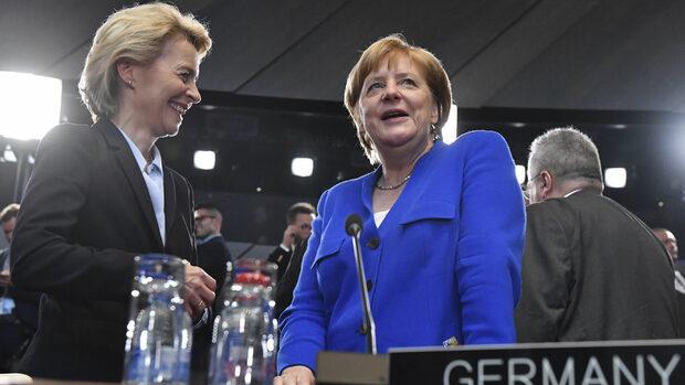 Фон дер Лайен ще напусне кабинета на Меркел независимо от вота в европарламента