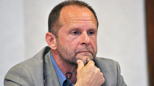 Ивайло Савов: Директорът на БНР трябва да каже кой иска остраняването на Великова