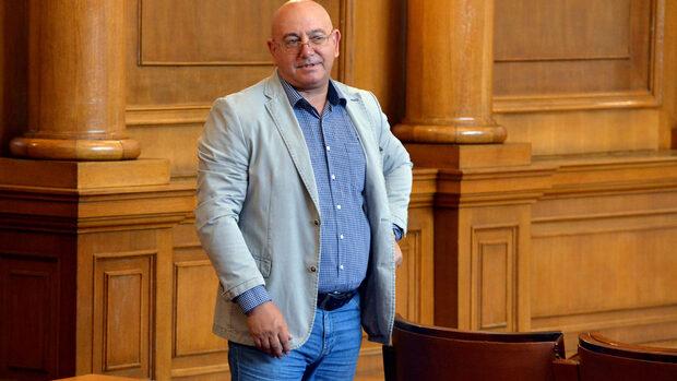 Депутат към журналист: Ако твоят началник те уволни, аз да ходя да се разправям ли