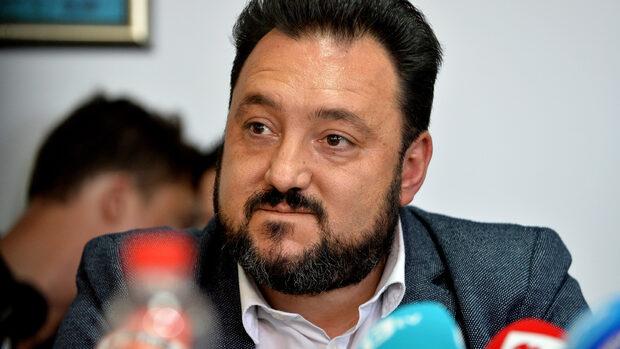 С отворено писмо шефът на БНР Светослав Костов даде знак, че остава на поста си