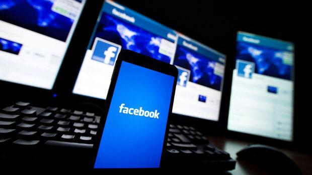 """От Русия вече се месят в изборите в САЩ, обяви """"Фейсбук"""""""