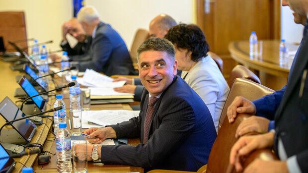 Министерството на правосъдието обяви нови 200 щата за надзиратели и по-висок бюджет
