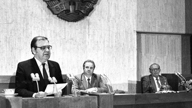 Десети ноември 1989 – време на буйни коси и надежди