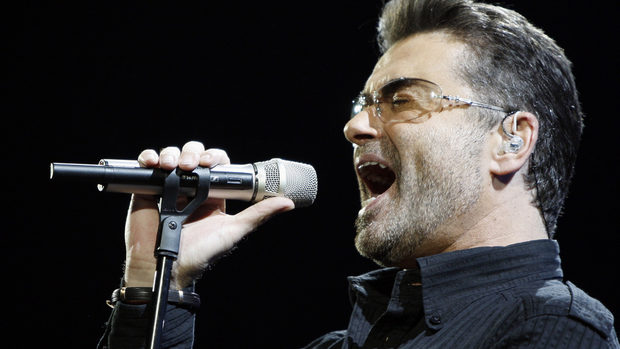 Неиздавани песни на Джордж Майкъл ще звучат във филм по сценарий на Ема Томпсън