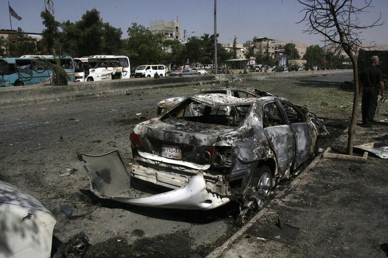 """Атентат с кола бомба <a href=""""https://www.aa.com.tr/en/turkey/car-bombing-kills-12-in-northern-syria/1584474"""" target=""""_blank"""">отне живота</a> на 12 души в провинция Алепо, край турската граница, часове преди срещата. Снимката е архивна."""