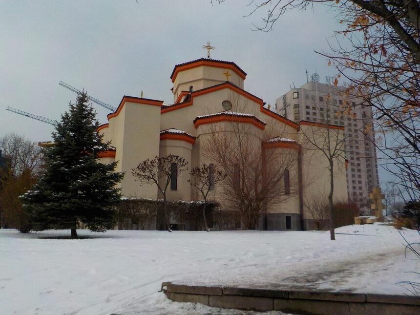"""Храмът """"Въздвижение на Светия Кръст Господен"""" познат и като """"Св. Мина"""", след години на ремонт и обновяване отново привлича поклонници в местността Кръста, кв. """"Лозенец"""""""
