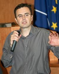 Българският мениджър може да управлява, но трябва да се научи да комуникира